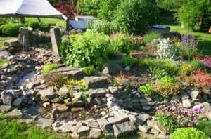 wasserlauf bachlauf im garten selbst anlegen, Garten und Bauen