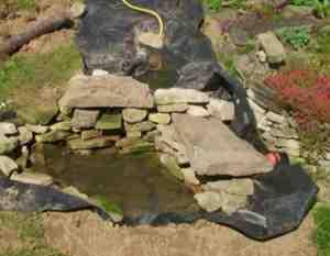 Wasserlauf Bachlauf im Garten selbst anlegen